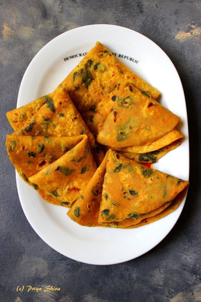 Methi Thepla / Fenugreek leaves flavoured flat Bread