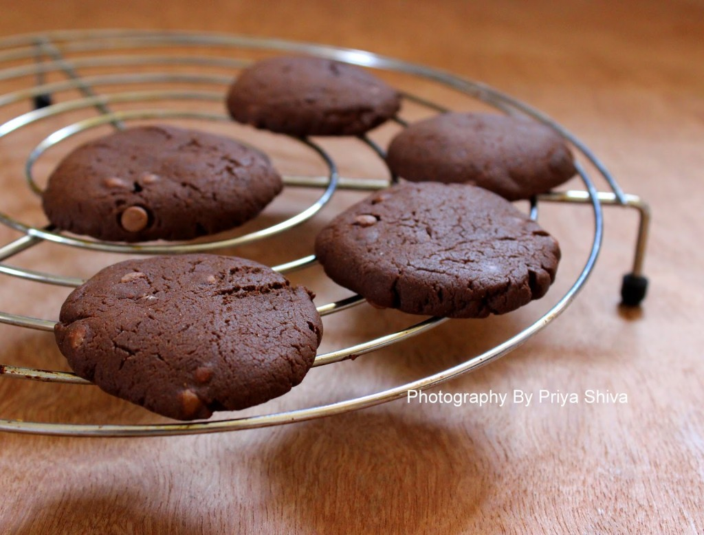 Eggless Double Chocolate Chip Cookies - PRIYA KITCHENETTE