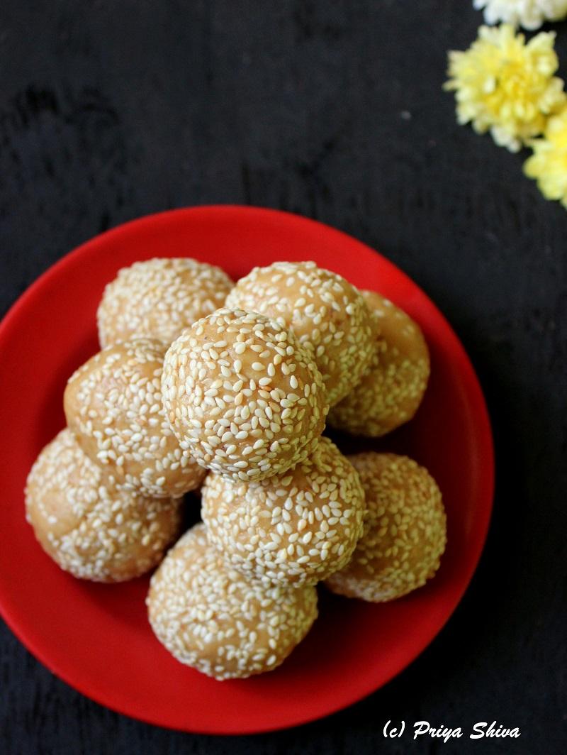 Til Nariyal Mawa Laddu recipe