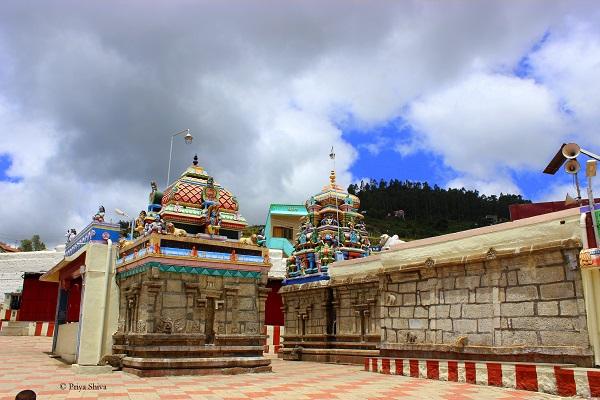 Poomparai Kuzhanthai Velappar Temple