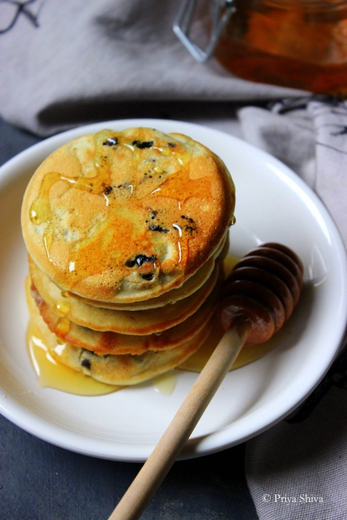 Eggless Blueberry Pancake Recipe
