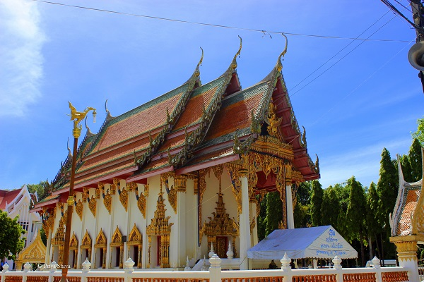 Wat Chaimongkron royal monastery picture