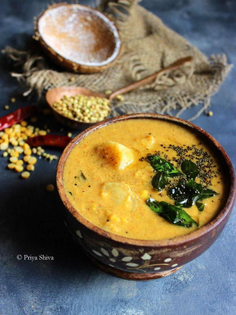 Radish Sambar / Arachuvitta Mullangi Sambar