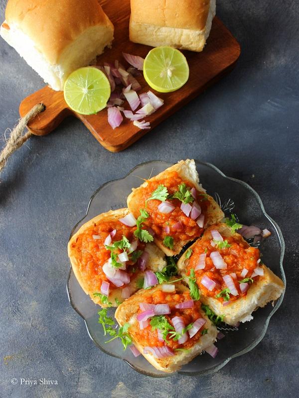 Mumbai Style Masala Pav Recipe